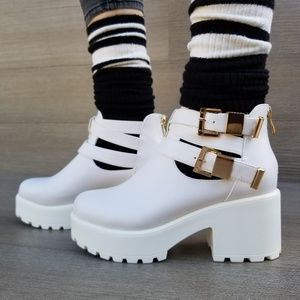 Shoes - Grunge 90s Style Chunky heel Platform Ankle Boots